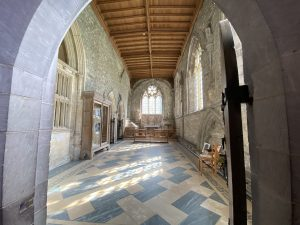Looking into the Chapel of St Edward the Confessor